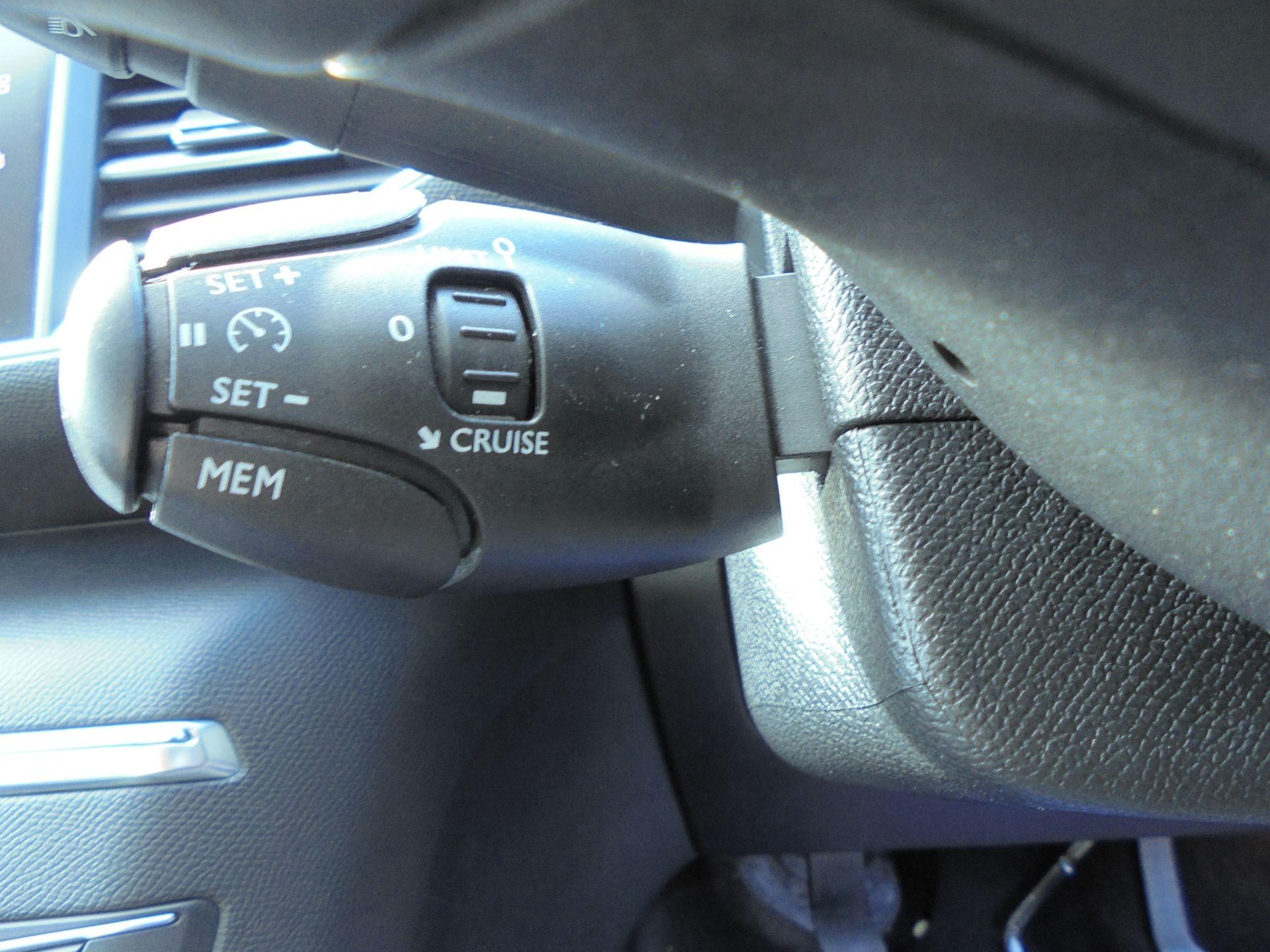 2018 Peugeot 308 1.5 Bluehdi 130 Allure 5Dr (NV18ZXA) Image 16