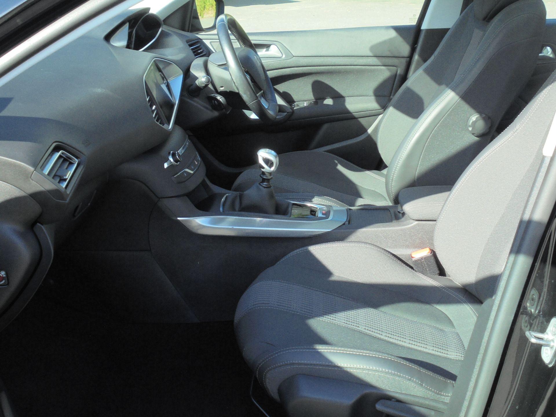 2018 Peugeot 308 1.5 Bluehdi 130 Allure 5Dr (NV18ZXA) Image 5
