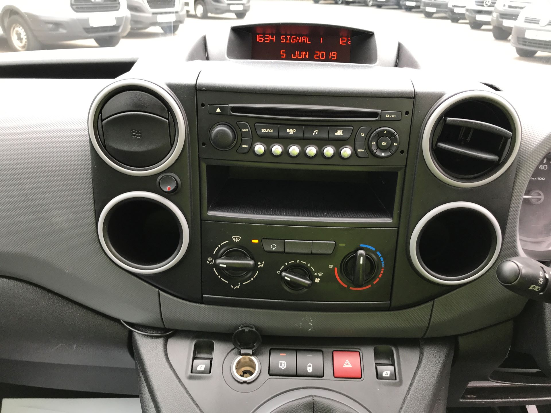 2016 Peugeot Partner L1 850 S 1.6HDI 92PS EURO 5 (NV65NKS) Image 3