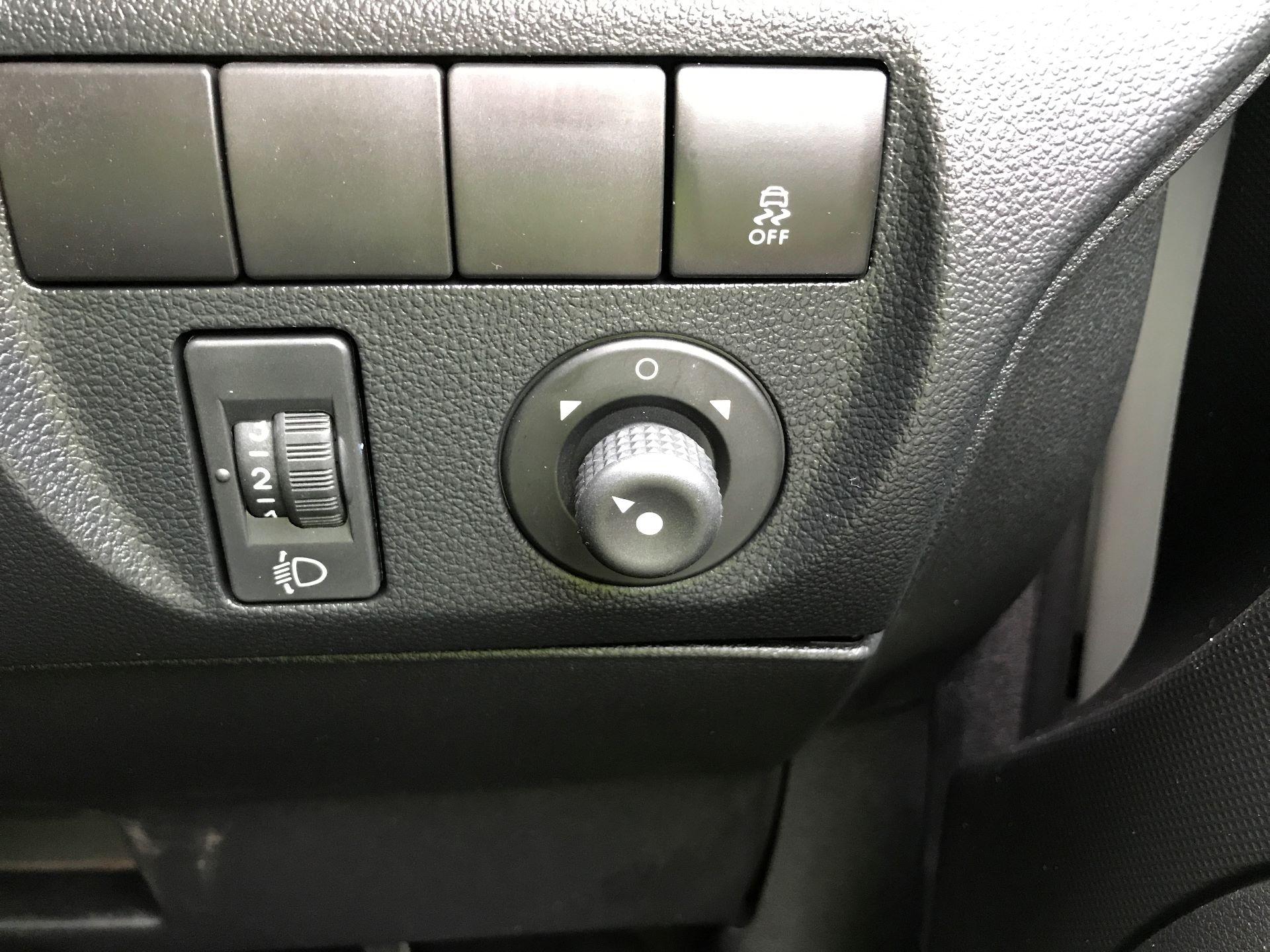 2016 Peugeot Partner L1 850 S 1.6HDI 92PS EURO 5 (NV65NKS) Image 24