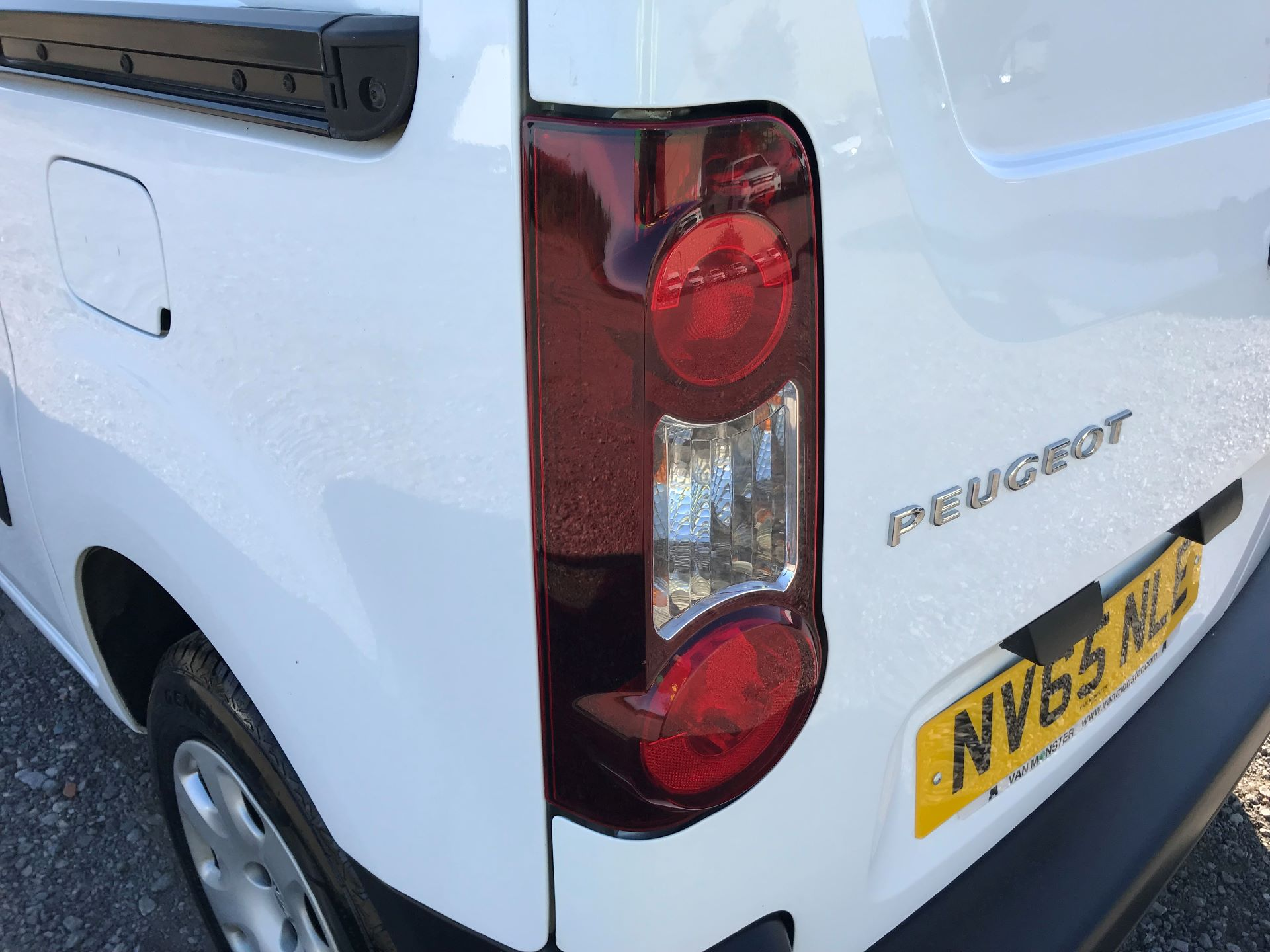 2016 Peugeot Partner L1 850 S 1.6 92PS (SLD) EURO 5 (NV65NLE) Image 15