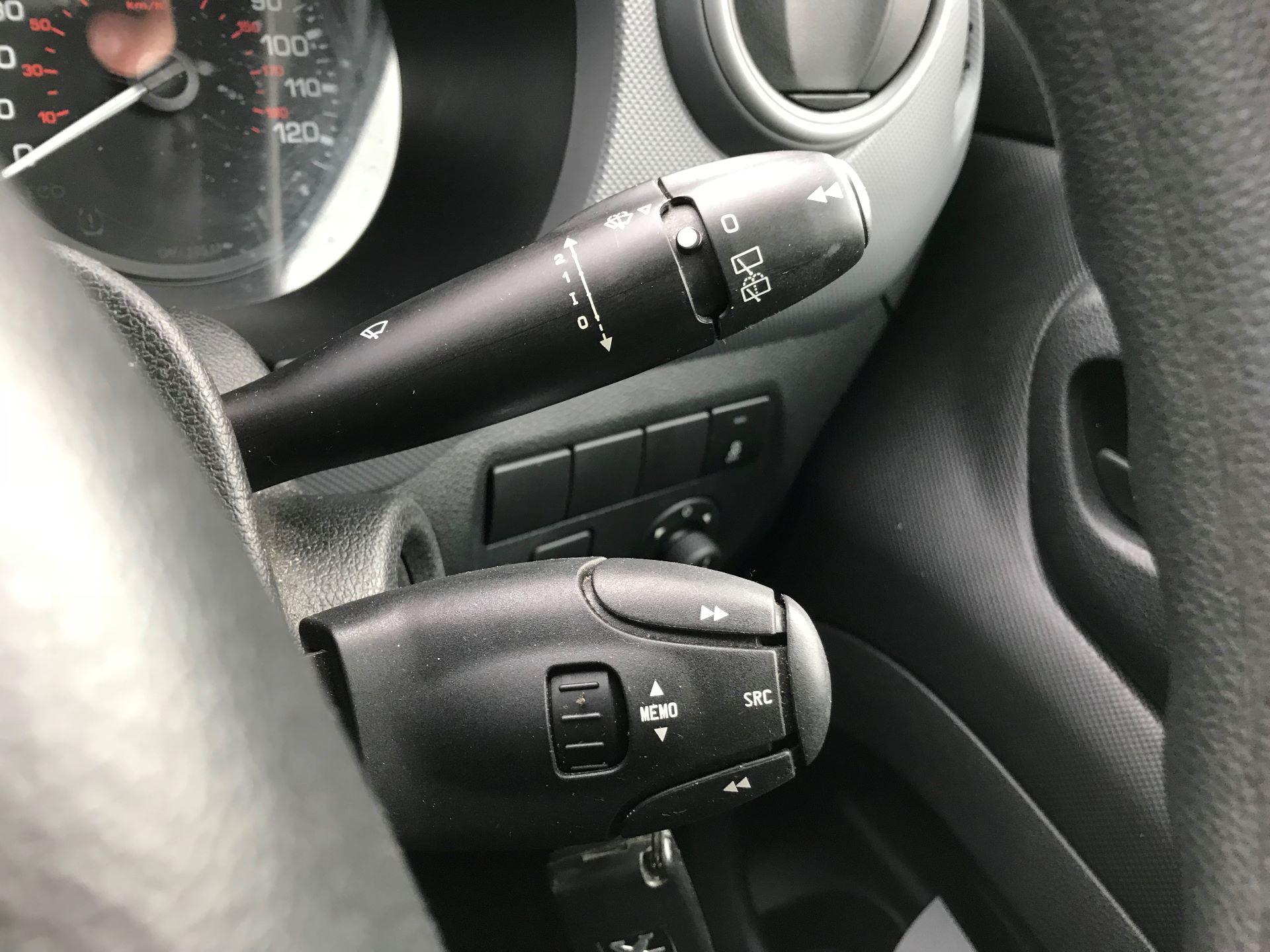2016 Peugeot Partner L2 715 S 1.6 92PS CREW VAN EURO 5 (NV65WYK) Image 30