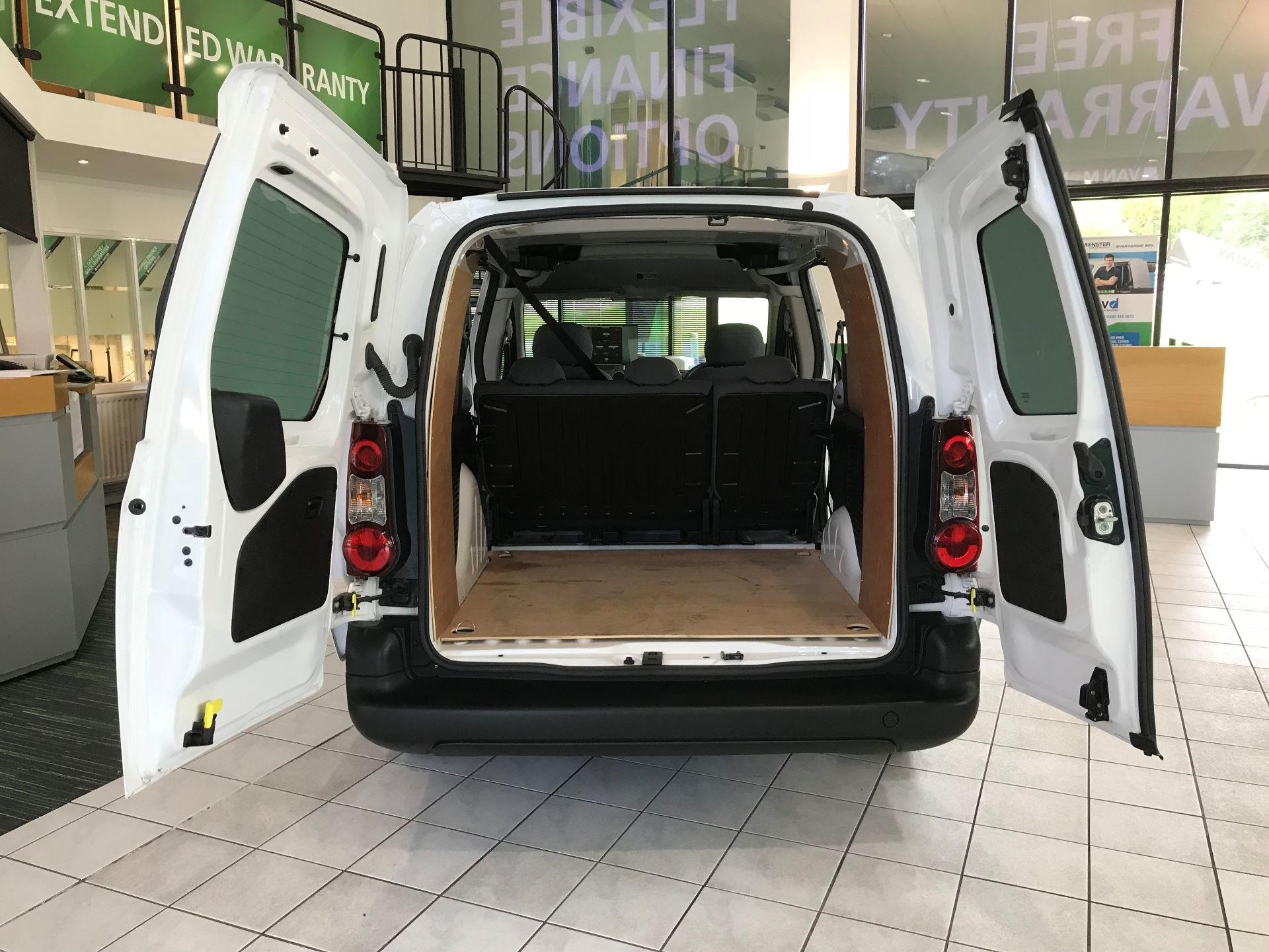 2016 Peugeot Partner L2 715 S 1.6 92PS CREW VAN EURO 5 (NV65YAD) Image 11