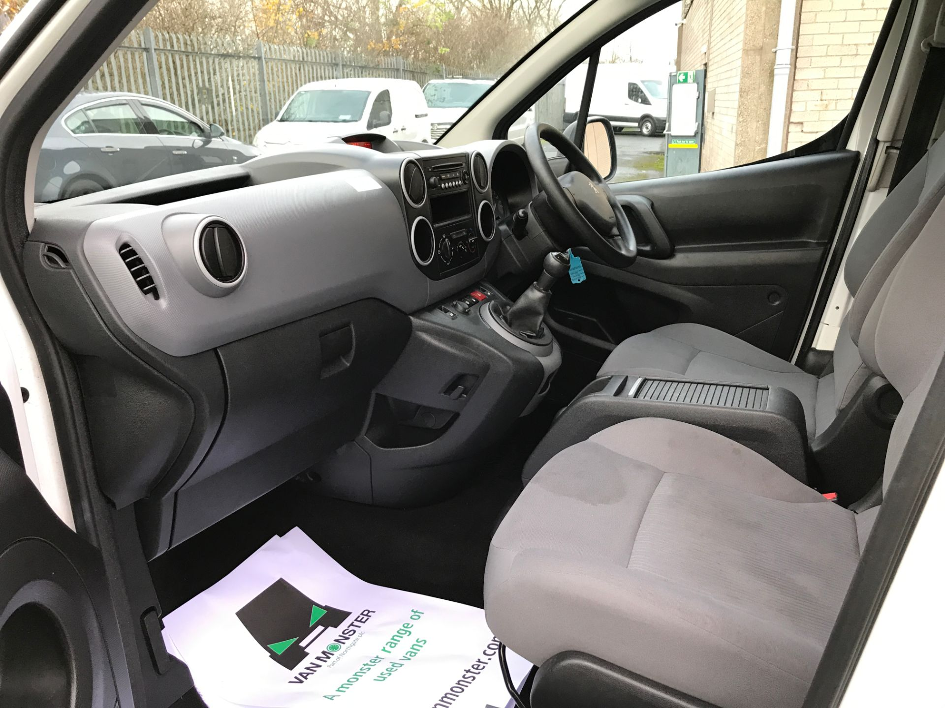 2016 Peugeot Partner 715 L2 S 1.6HDI 92PS CREW VAN EURO 5 (NV65YAO) Image 12