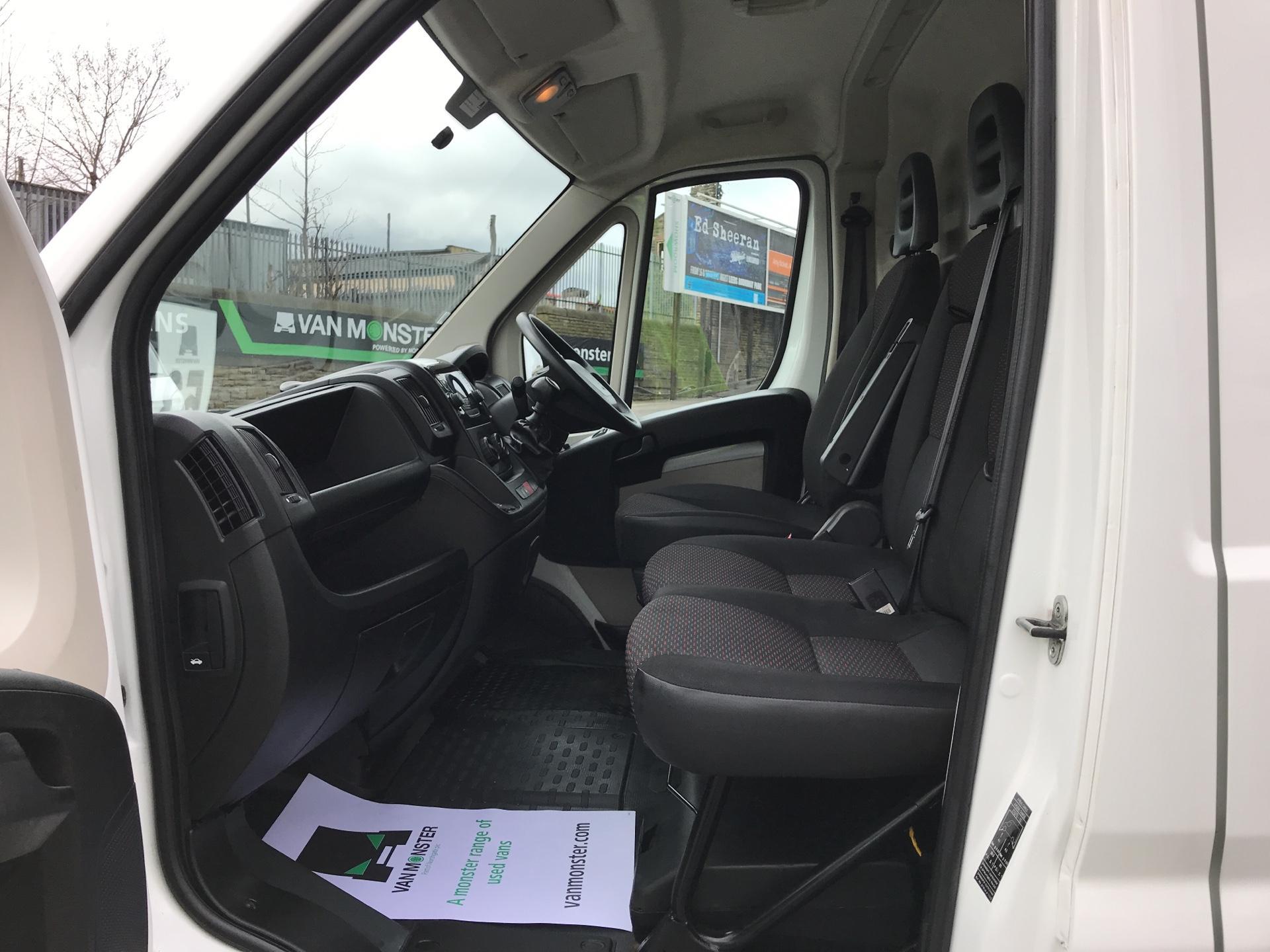 2016 Peugeot Boxer 2.2 Hdi H2 Van 130Ps (NV65YEK) Image 14