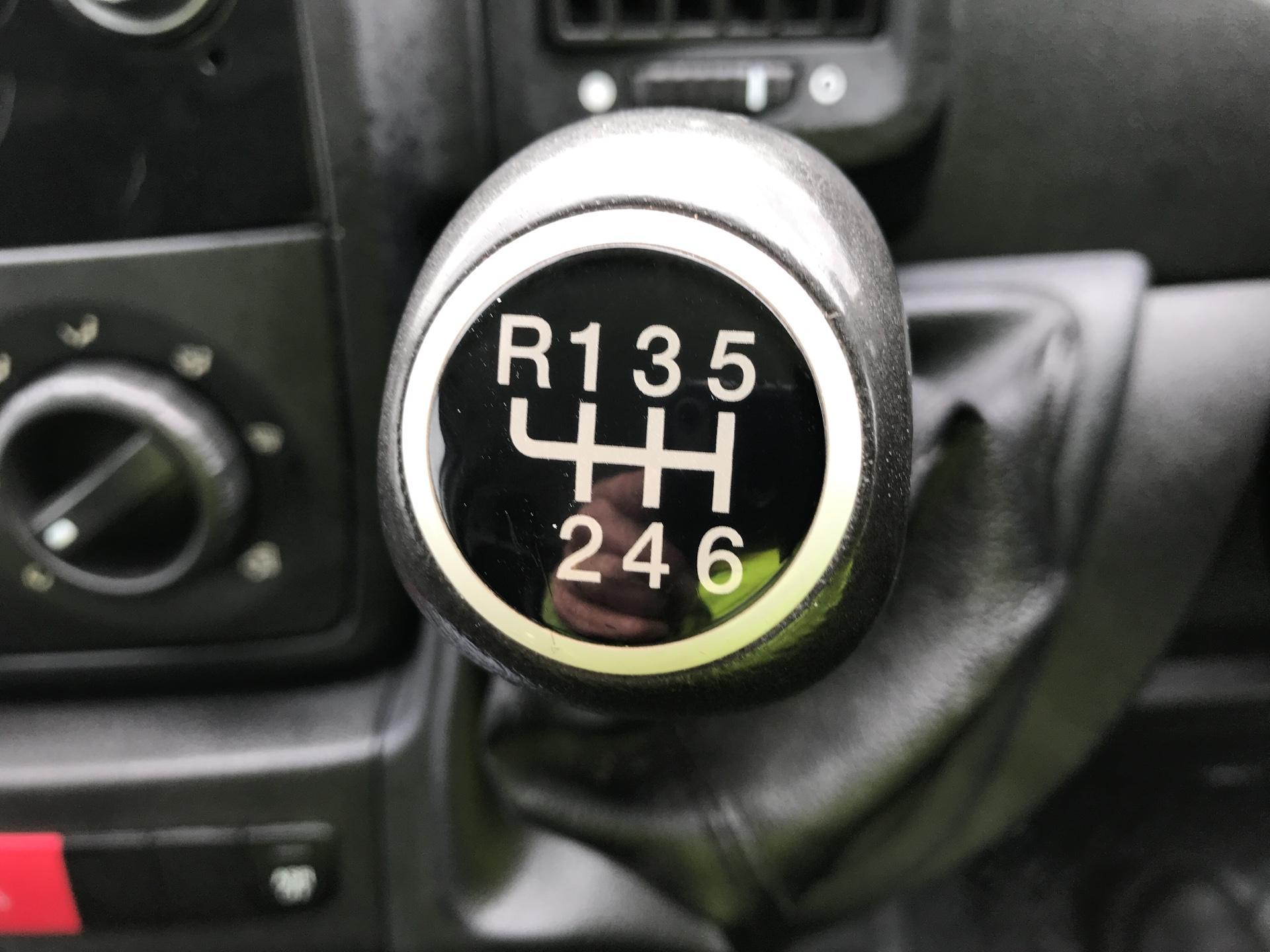 2016 Peugeot Boxer 2.2 Hdi H2 Van 130Ps (NV65YEK) Image 11