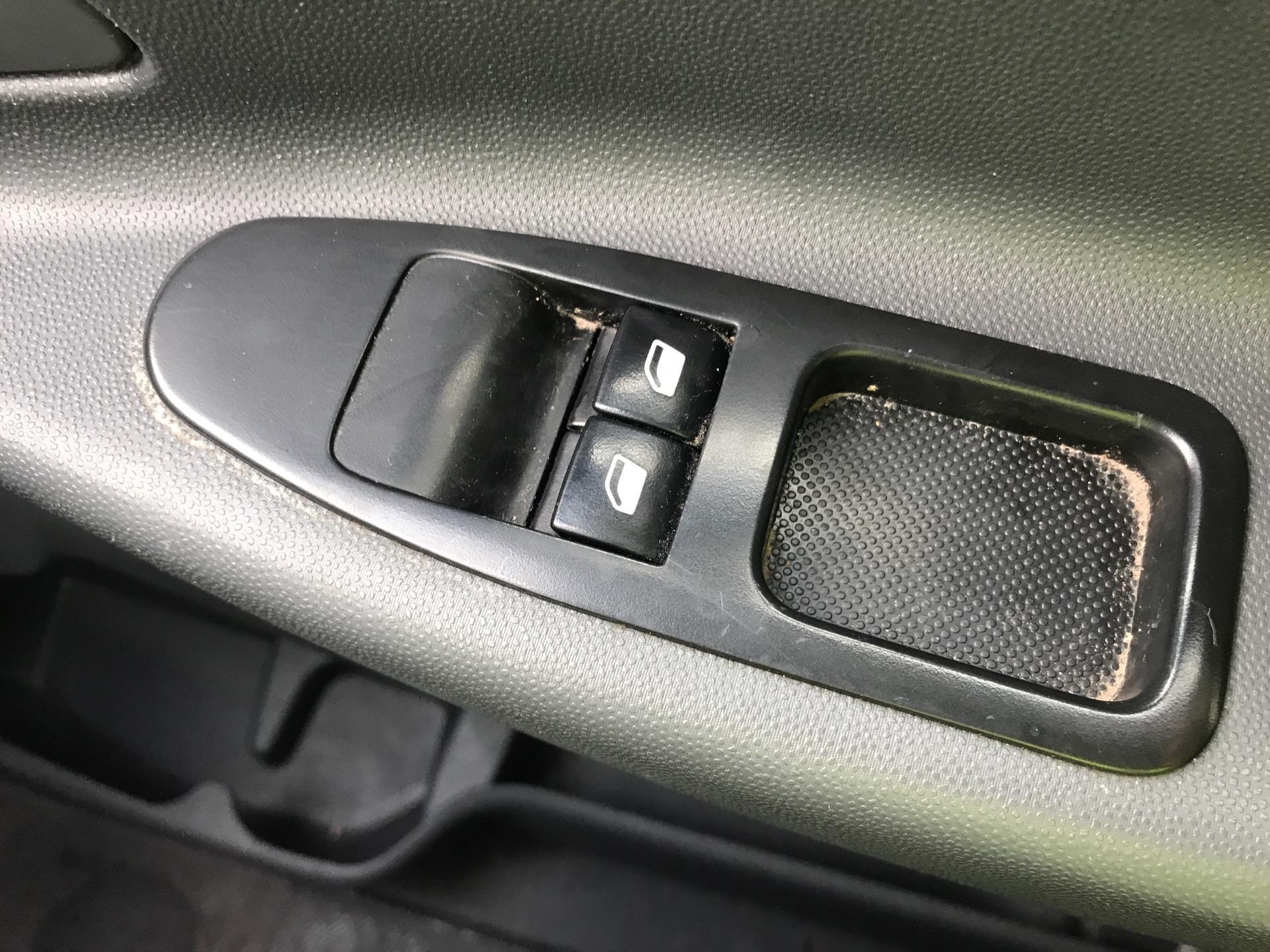 2016 Peugeot Expert L1 H1 1000 1.6 HDI 90BHP EURO 5  (NV65YLT) Image 20