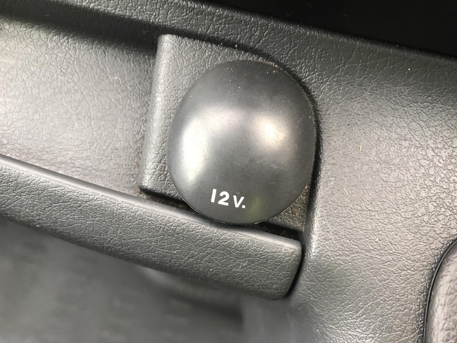 2016 Peugeot Expert L1 H1 1000 1.6 HDI 90BHP EURO 5  (NV65YLT) Image 22