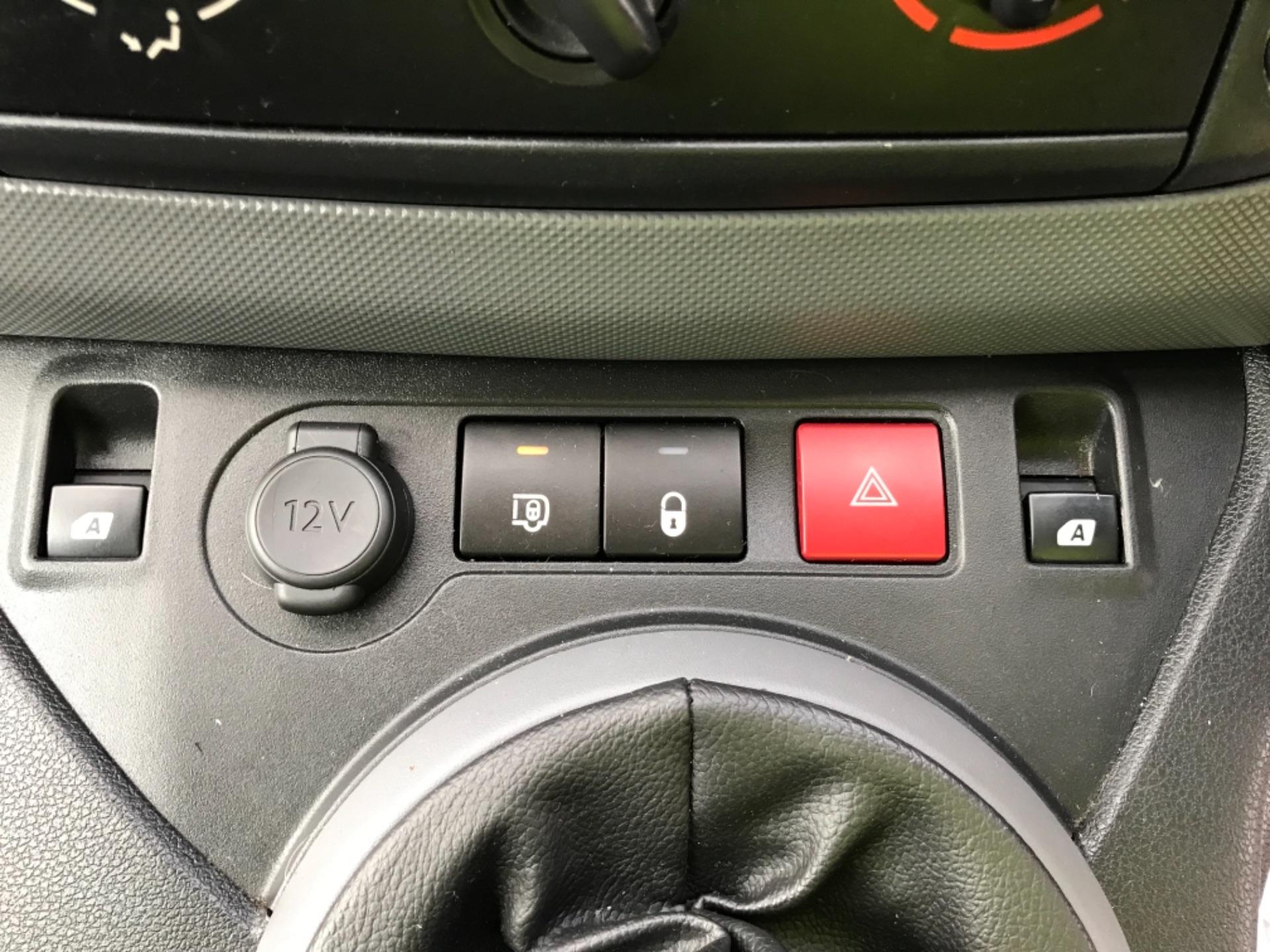 2016 Peugeot Partner 850 1.6 Bluehdi 100 Professional Van Euro 6 (NV66AAX) Image 11