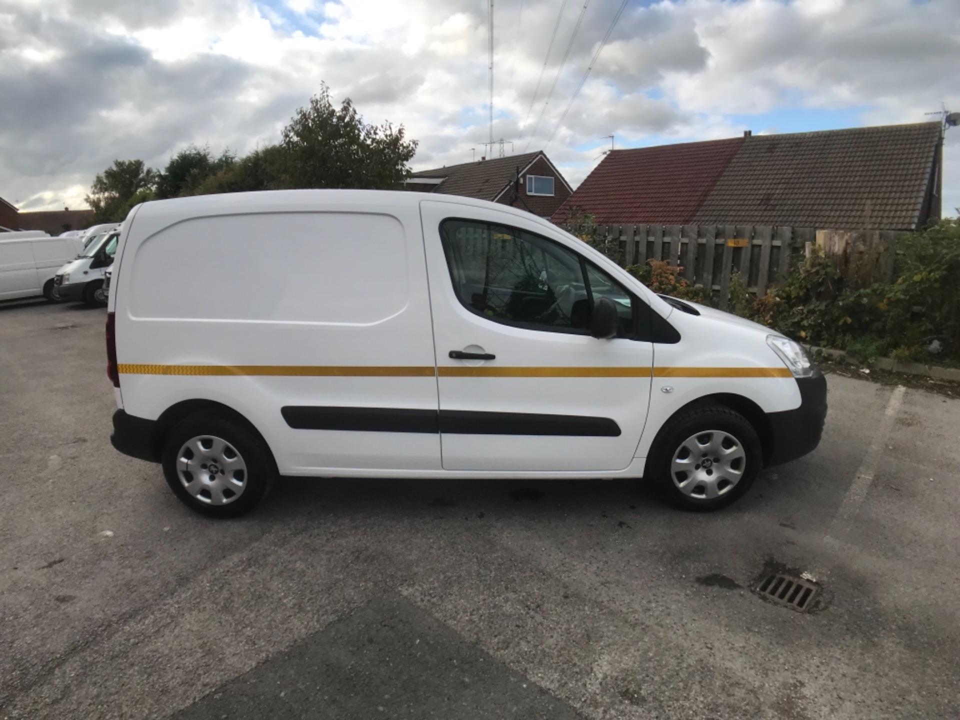2016 Peugeot Partner 850 1.6 Bluehdi 100 Professional Van Euro 6 (NV66AAX) Image 7
