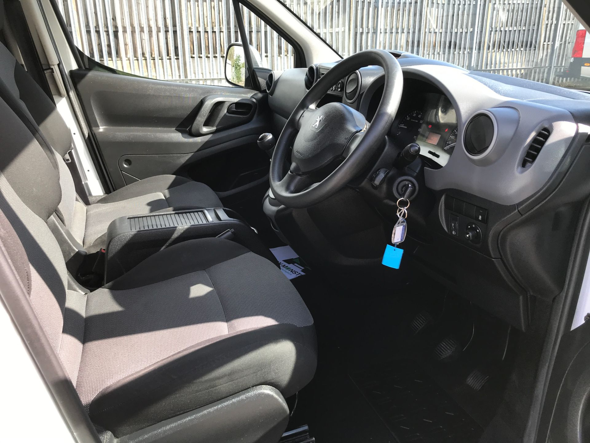 2016 Peugeot Partner L1 850 S 1.6HDI 92PS EURO 5 (NV66EJY) Image 2