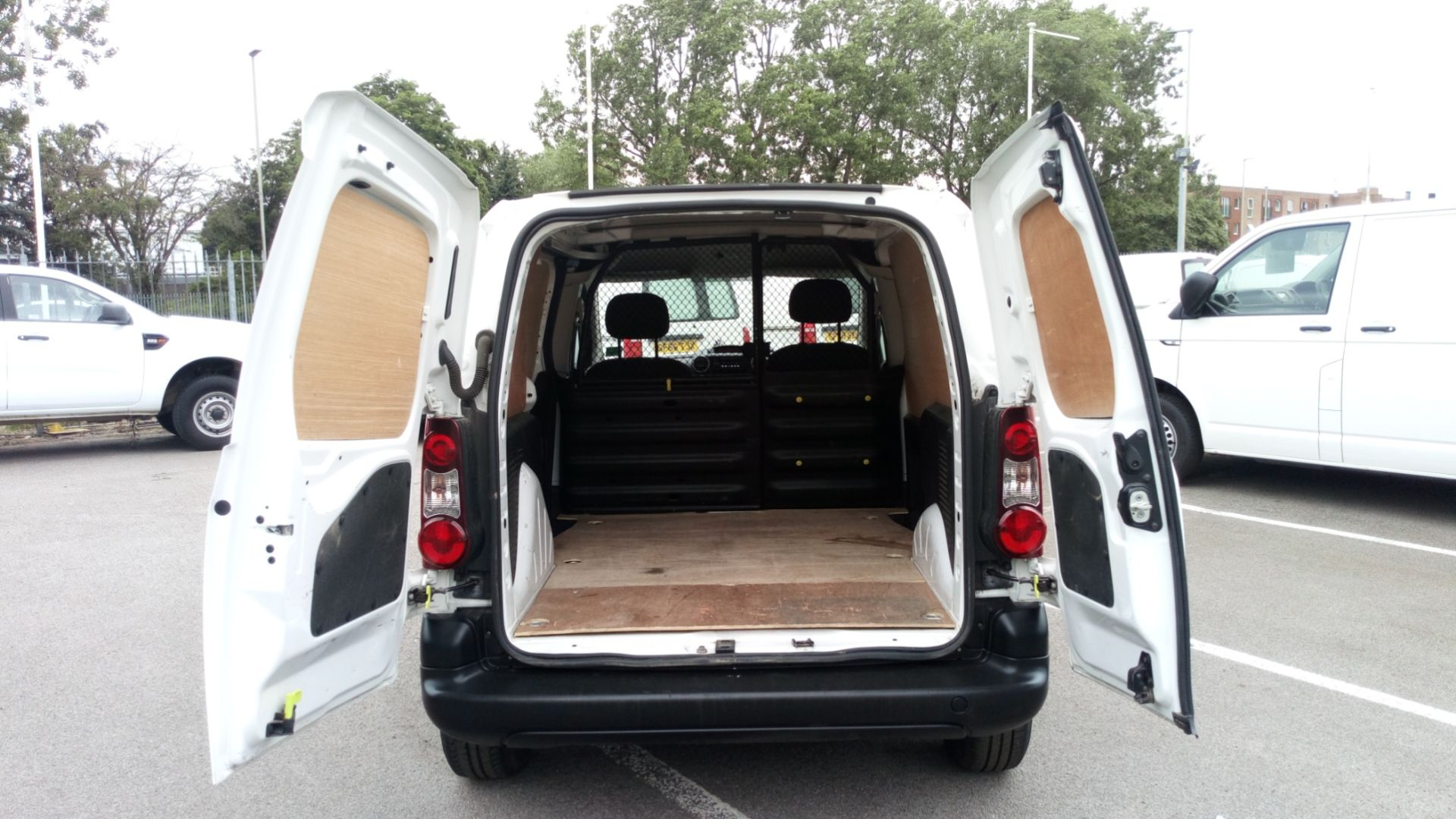 2016 Peugeot Partner 850 S 1.6 Bluehdi 100 Van [Sld] (NV66EKU) Image 6