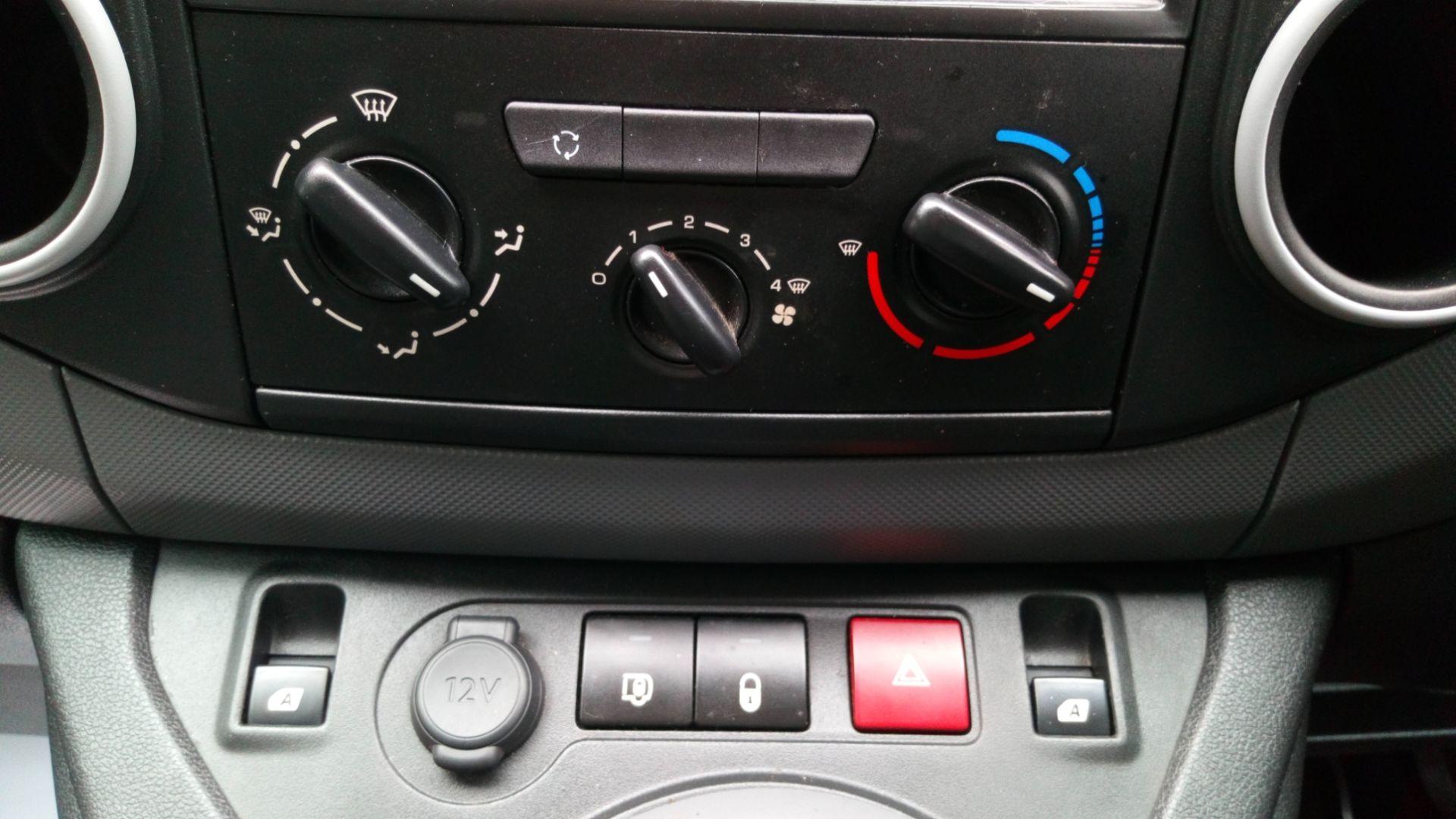 2016 Peugeot Partner L1 850 S 1.6 BLUEHDI 100 VAN EURO 6  (NV66EKX) Image 17