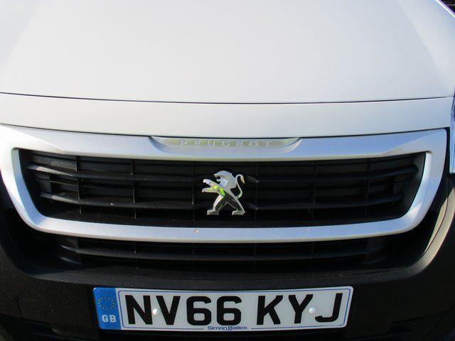2016 Peugeot Partner L1 850 1.6 HDI 100 BHP PROFESSIONAL BLUE VAN (NV66KYJ) Image 4
