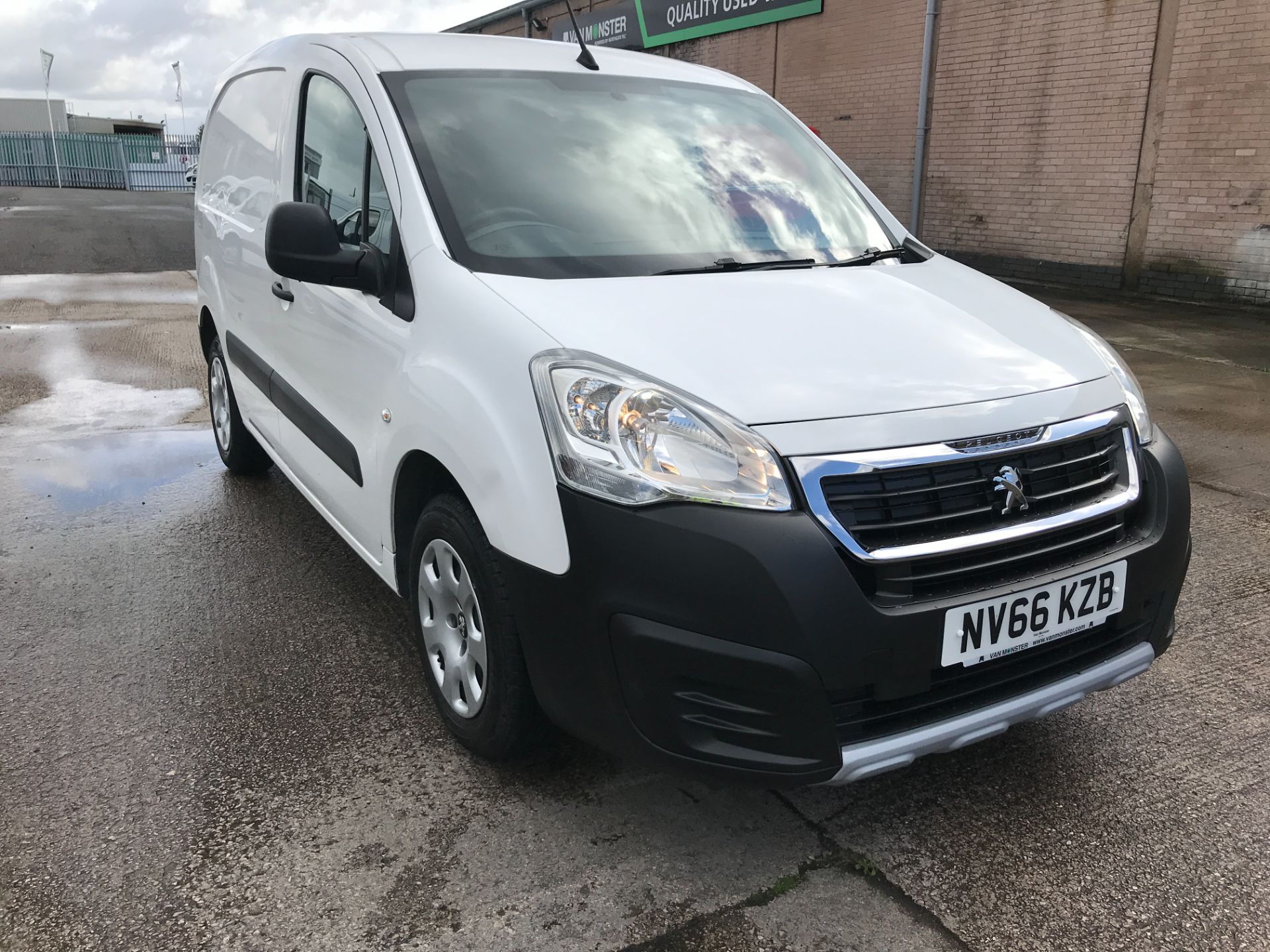 2016 Peugeot Partner L1 850 1.6BLUEHDI 100PS PROFESSIONAL EURO 6 (NV66KZB)