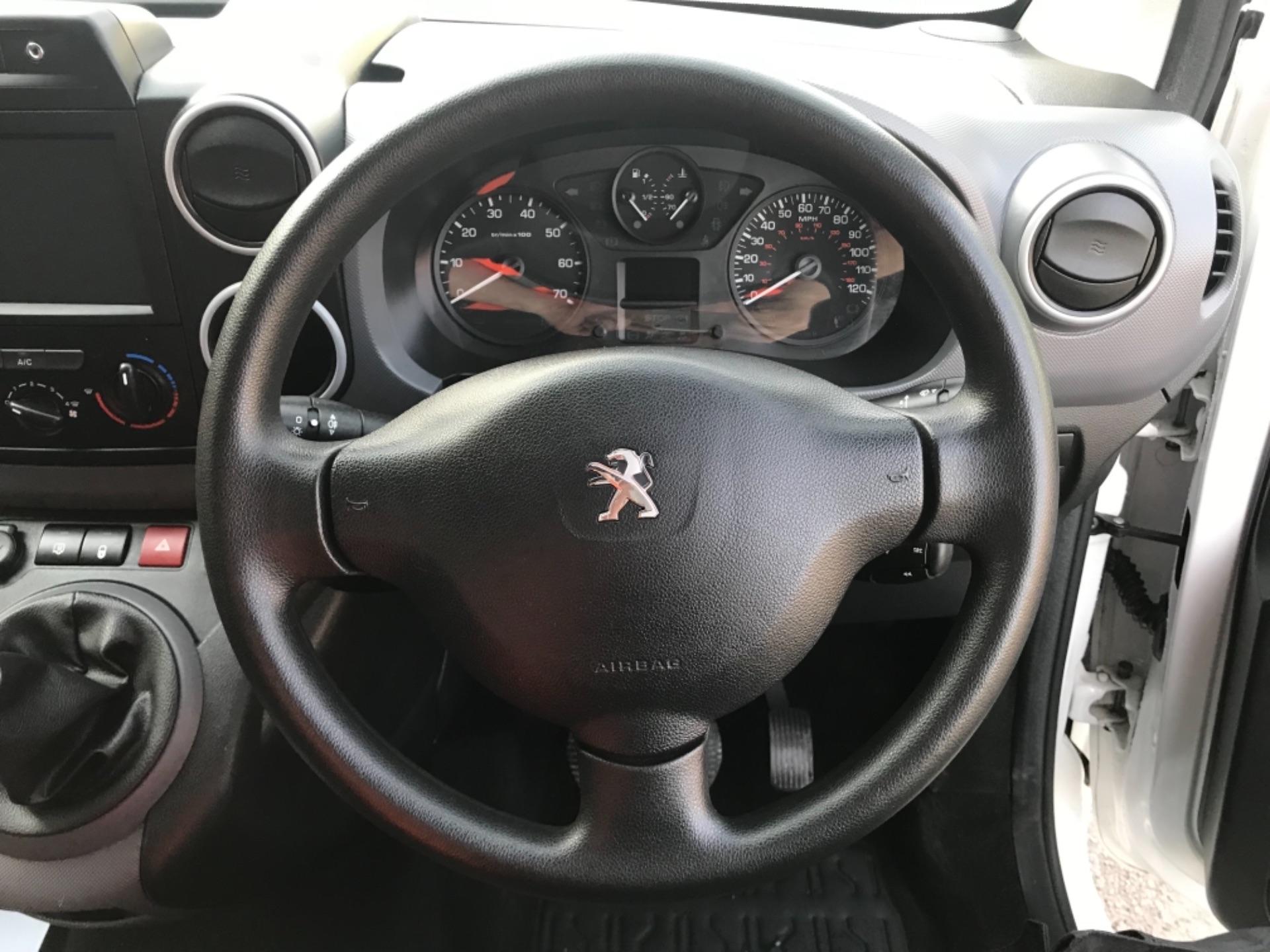 2016 Peugeot Partner 850 1.6 Bluehdi 100 Professional Van EURO 6 (NV66KZN) Image 12