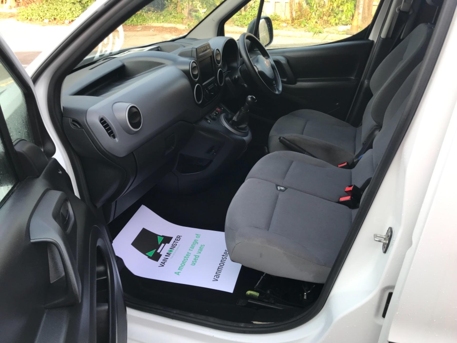 2016 Peugeot Partner 850 1.6 Bluehdi 100 Professional Van EURO 6 (NV66KZN) Image 19