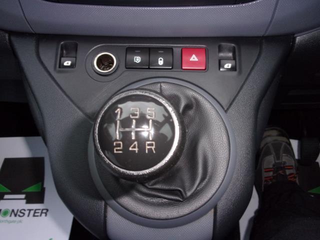 2016 Peugeot Partner 850 1.6 Bluehdi 100 Professional Van [Non Ss] (NV66KZX) Image 4