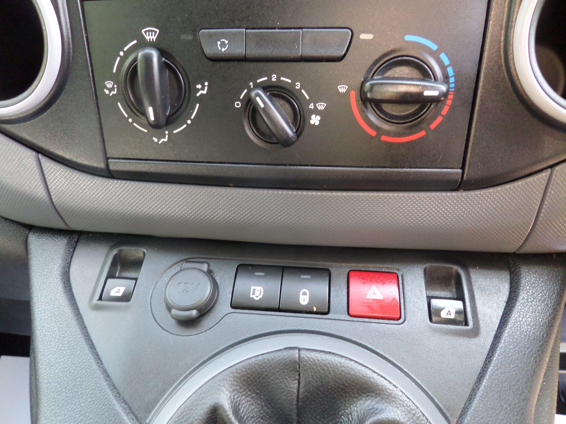 2017 Peugeot Partner 850 S 1.6 Hdi 92 Van [Sld] Euro 5 (NV66RXO) Image 14