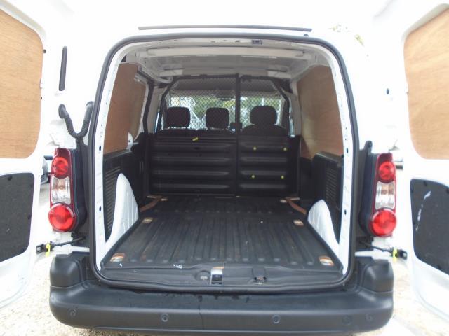 2017 Peugeot Partner 850 1.6 Bluehdi 100 Professional Van [Non Ss] (NV66RZX) Image 14