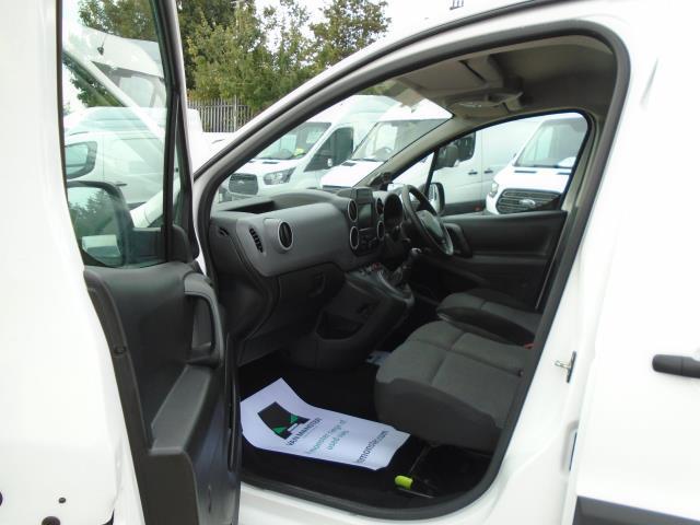 2017 Peugeot Partner 850 1.6 Bluehdi 100 Professional Van [Non Ss] (NV66RZX) Image 16