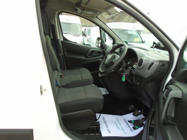 2017 Peugeot Partner 850 1.6 Bluehdi 100 Professional Van [Non Ss] (NV66RZX) Image 17
