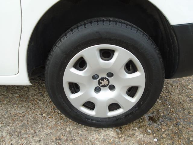 2017 Peugeot Partner 850 1.6 Bluehdi 100 Professional Van [Non Ss] (NV66RZX) Image 10