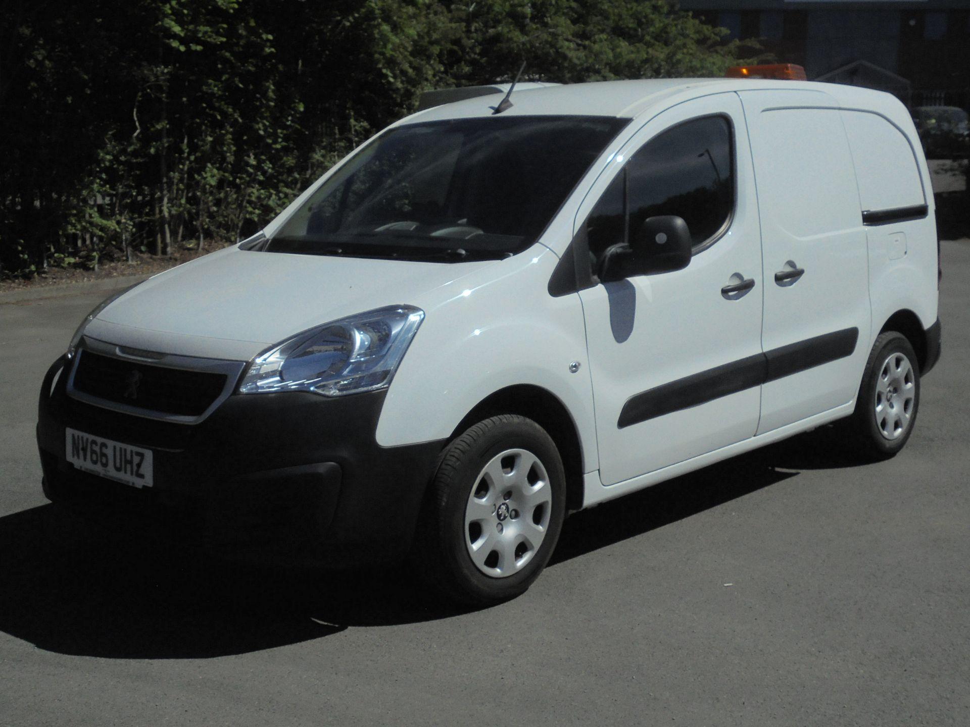 2017 Peugeot Partner 850 1.6 Bluehdi 100 Professional Van [Non Ss] (NV66UHZ) Image 3
