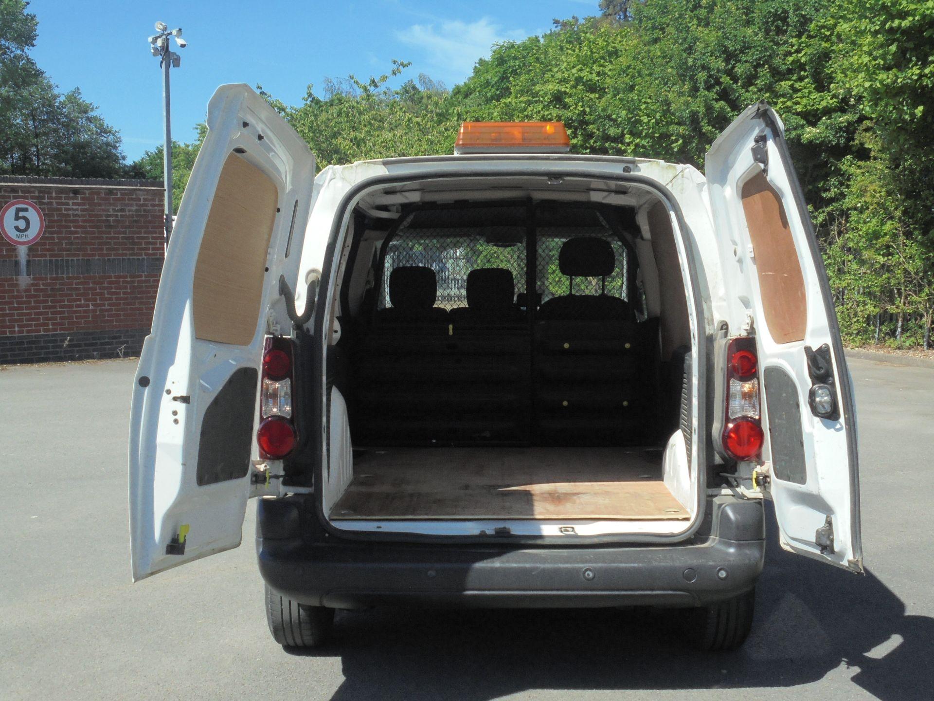 2017 Peugeot Partner 850 1.6 Bluehdi 100 Professional Van [Non Ss] (NV66UHZ) Image 9