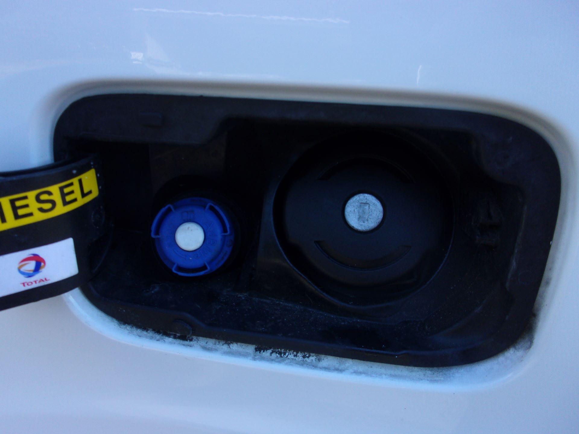 2017 Peugeot Partner L1 850 1.6 BLUEHDI 100PS PROFESSIONAL (NON S/S) EURO 6 (NV66URJ) Image 23