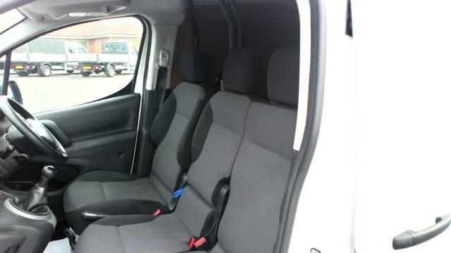 2017 Peugeot Partner 850 1.6 Bluehdi 100 Professional Van [Non Ss] (NV66WZD) Image 14