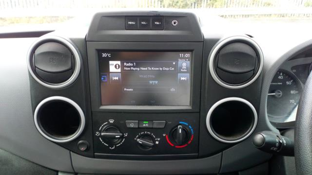 2017 Peugeot Partner 850 1.6 Bluehdi 100 Professional Van [Non Ss] (NV66WZD) Image 16