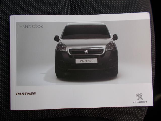 2017 Peugeot Partner L1 850 1.6 BLUEHDI 100 PROFESSIONAL (NON S/S)EURO 6 (NV66XAS) Image 28