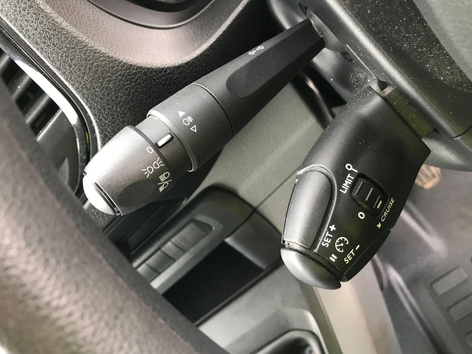 2017 Peugeot Expert 1000 1.6 Bluehdi 95 S Van (NV66XBF) Image 27