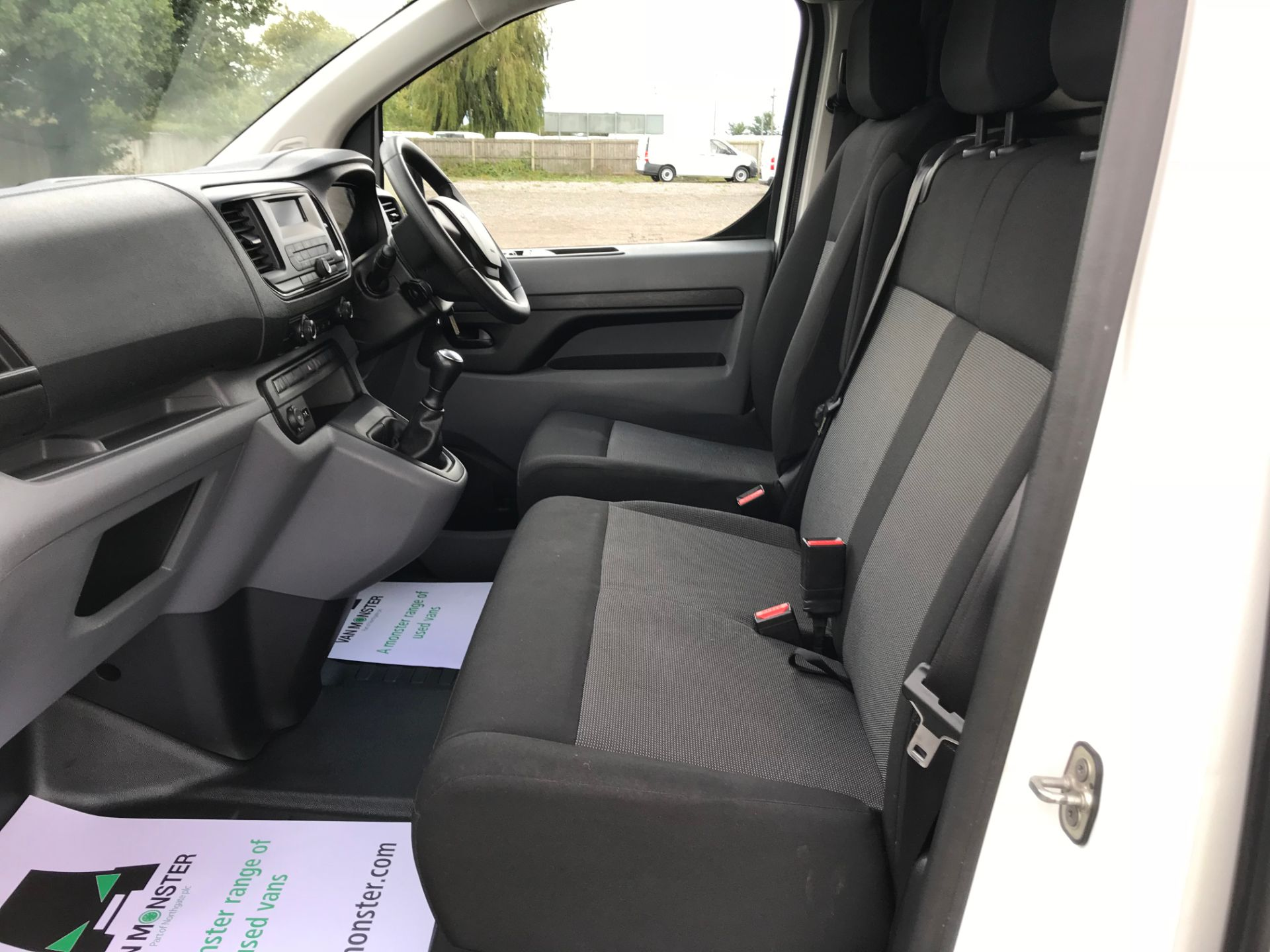 2017 Peugeot Expert 1000 1.6 Bluehdi 95 S Van (NV66XBF) Image 19