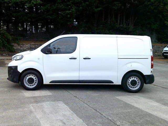 2017 Peugeot Expert 1000 1.6 Bluehdi 95 S Van (NV66XBK) Image 12