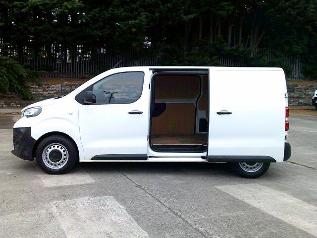 2017 Peugeot Expert 1000 1.6 Bluehdi 95 S Van (NV66XBK) Image 20