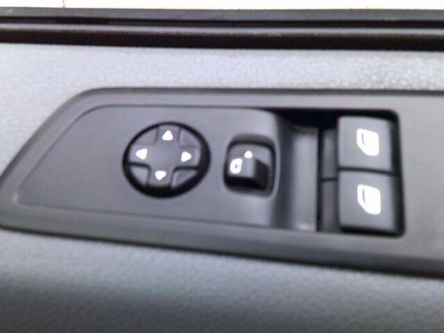 2017 Peugeot Expert 1000 1.6 Bluehdi 95 S Van (NV66XBK) Image 7