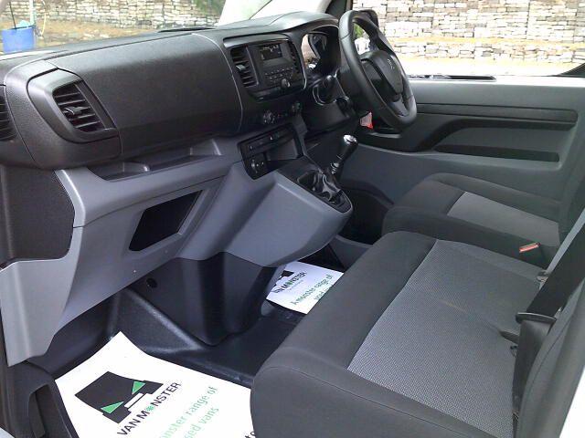 2017 Peugeot Expert 1000 1.6 Bluehdi 95 S Van (NV66XBK) Image 13