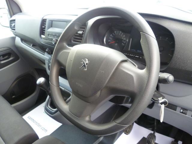 2017 Peugeot Expert STANDARD 1000 1.6 BLUEHDI 95 S EURO 6 (NV66XEF) Image 22