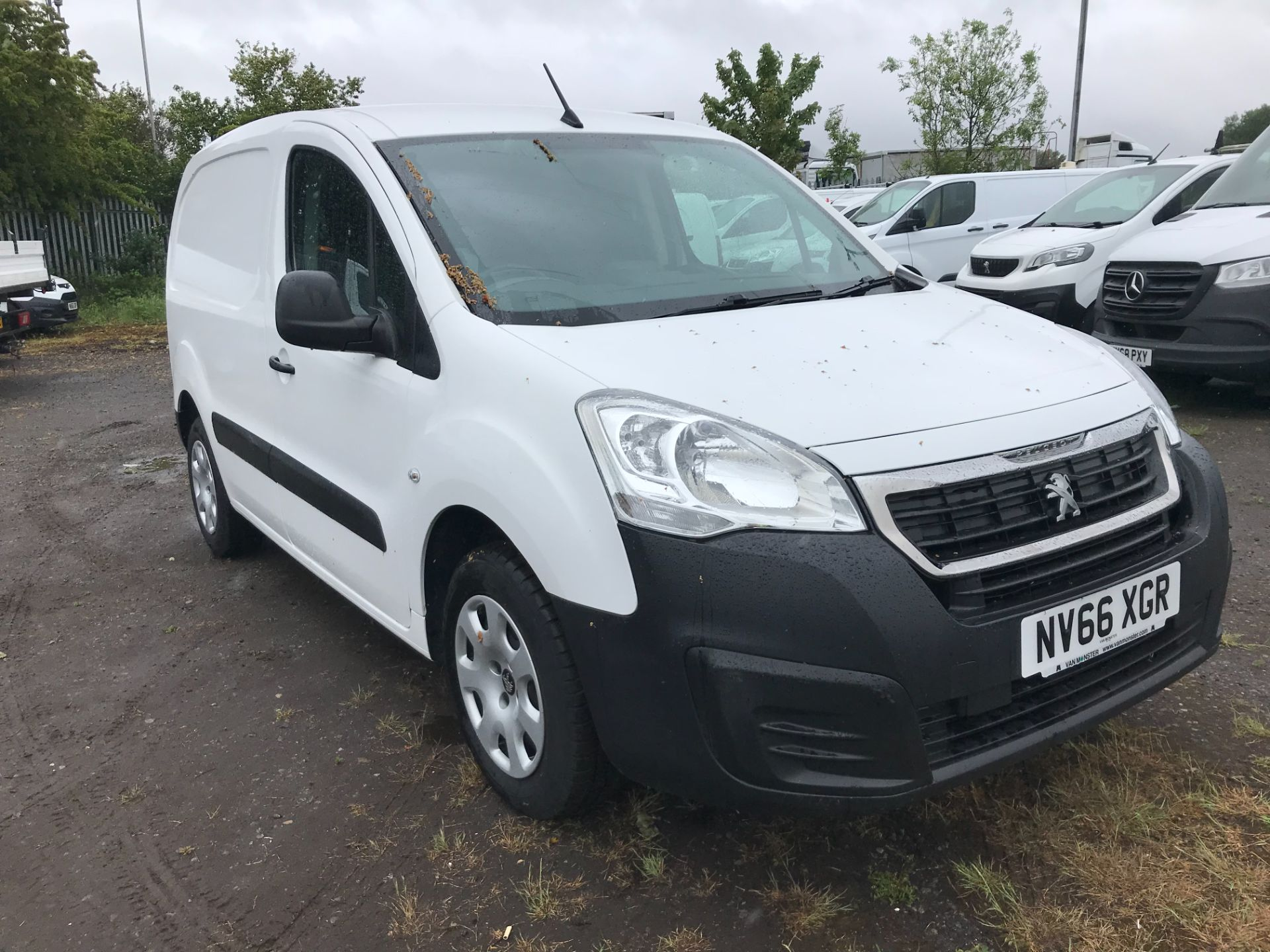2017 Peugeot Partner 850 1.6 Bluehdi 100 Professional Van [Non Ss] (NV66XGR)