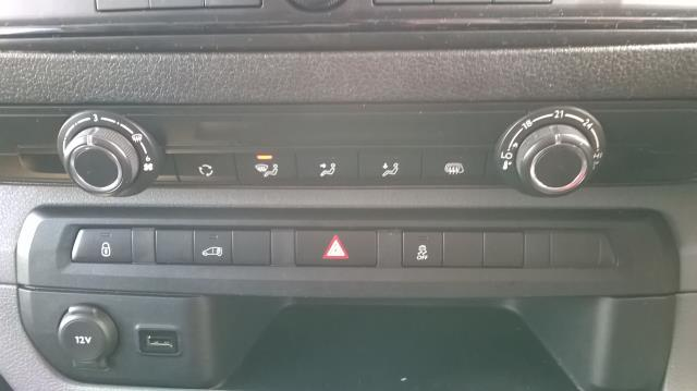 2017 Peugeot Expert  STANDARD 1000 1.6 BLUEHDI 95 S EURO 6 (NV66XHN) Image 22