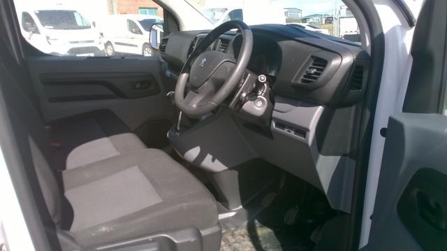 2017 Peugeot Expert  STANDARD 1000 1.6 BLUEHDI 95 S EURO 6 (NV66XHN) Image 15