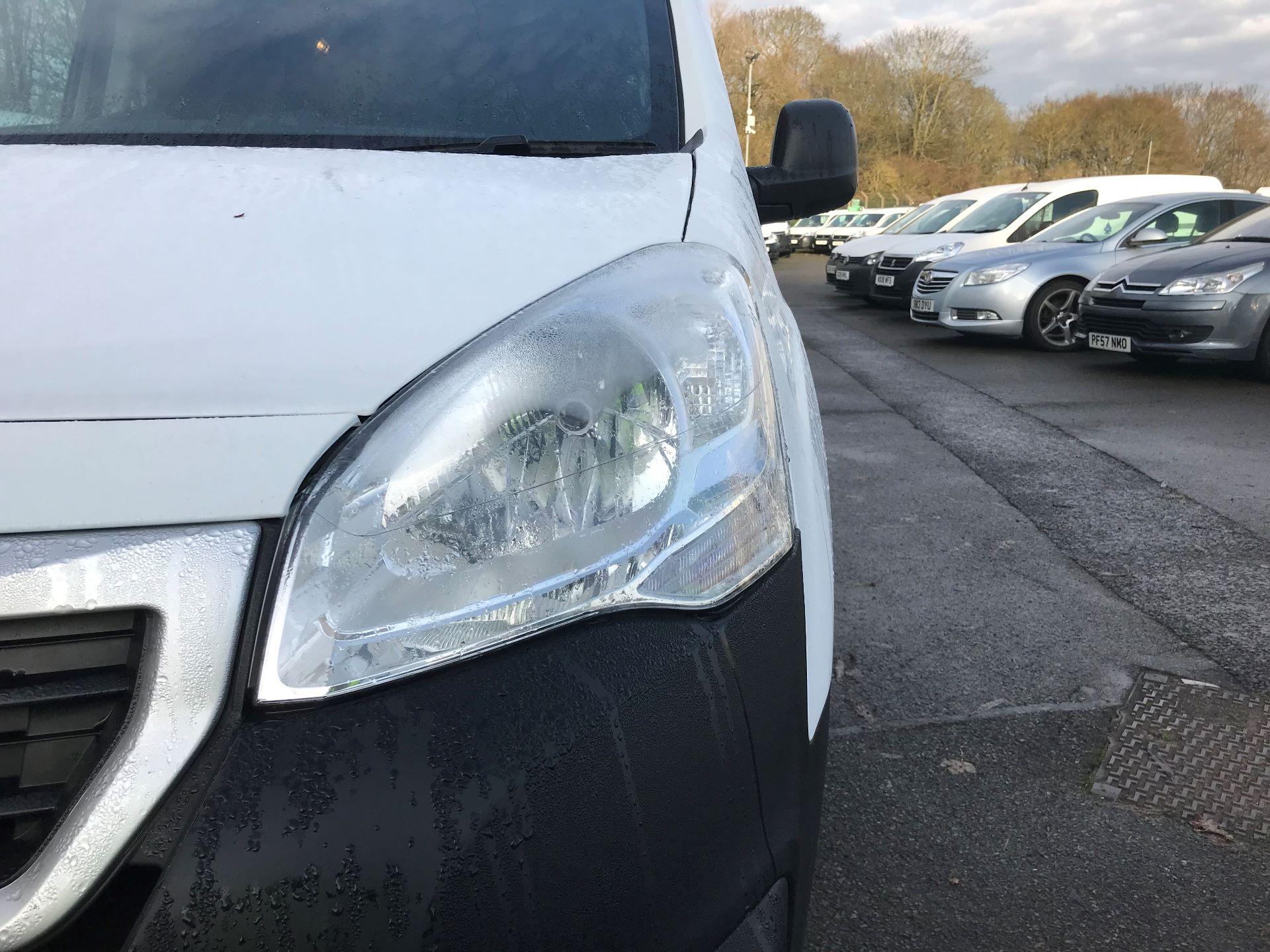 2017 Peugeot Partner L1 850 1.6 BLUEHDI 100 PROFESSIONAL (NON S/S)EURO 6 (NV66XKN) Image 13