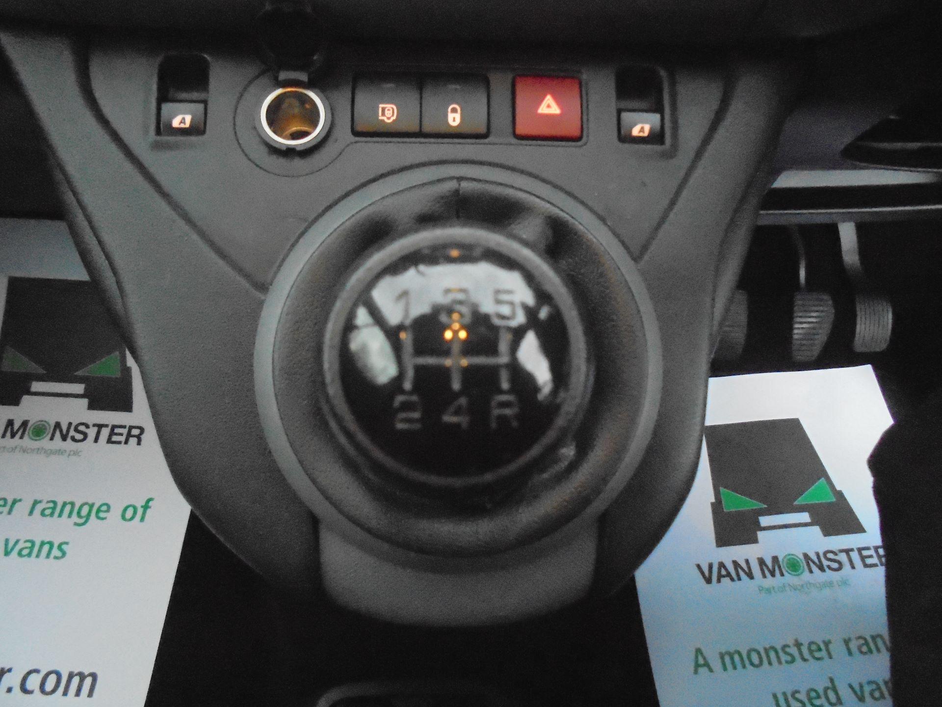 2017 Peugeot Partner L1 850 1.6 BLUEHDI 100  3 SEATER PROFESSIONAL (NON S/S)EURO 6  (NV66XKX) Image 15