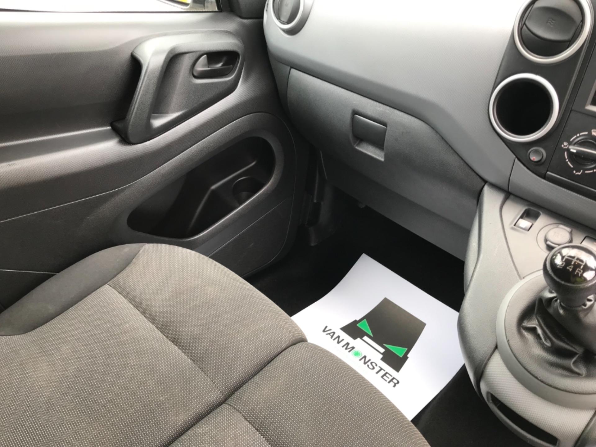 2017 Peugeot Partner 850 1.6 Bluehdi 100 Professional Van [Non Ss] EURO 6 (NV66XLA) Image 12