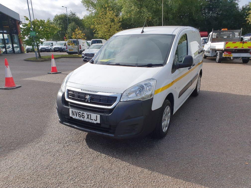 2017 Peugeot Partner 850 1.6 Bluehdi 100 Professional Van [Non Ss] (NV66XLJ) Image 3
