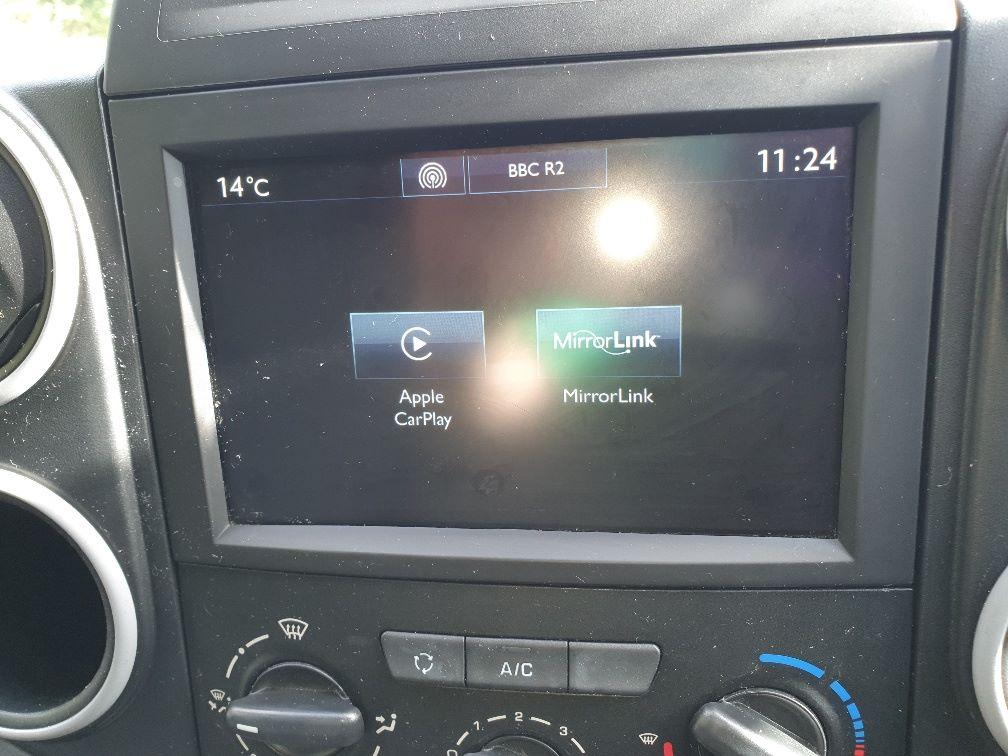 2017 Peugeot Partner 850 1.6 Bluehdi 100 Professional Van [Non Ss] (NV66XLJ) Image 21