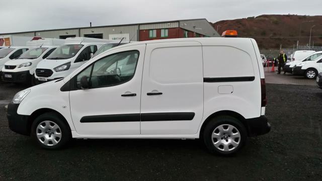 2017 Peugeot Partner 850 1.6 Bluehdi 100 Professional Van [Non Ss] (NV66XLL) Image 5