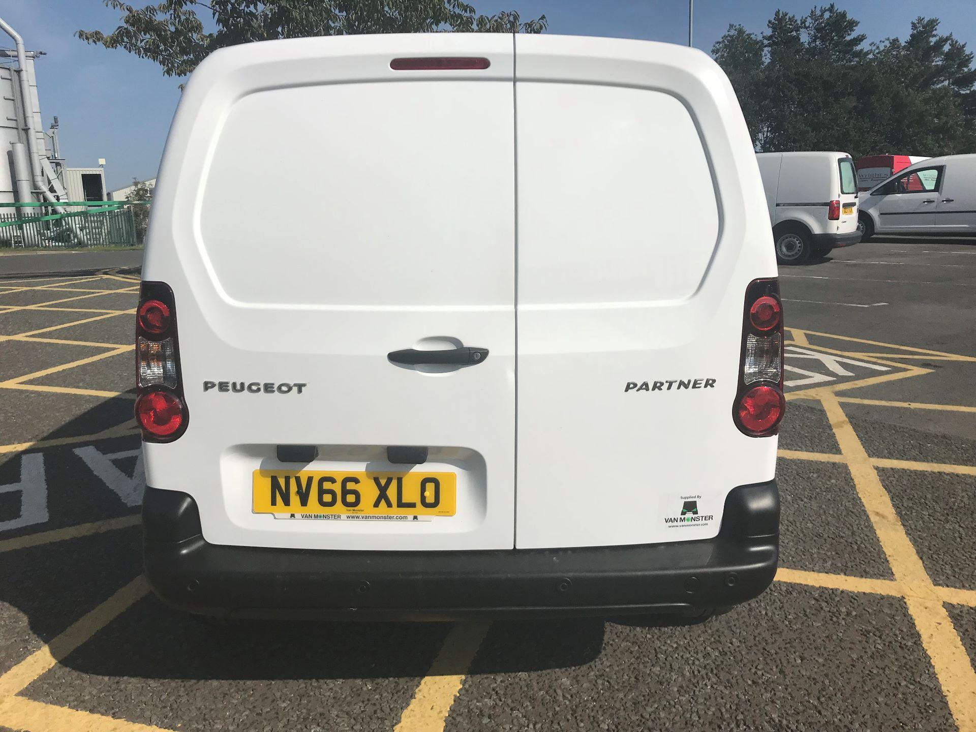 2017 Peugeot Partner 850 1.6 Bluehdi 100 Professional Van [Non Ss] (NV66XLO) Image 6